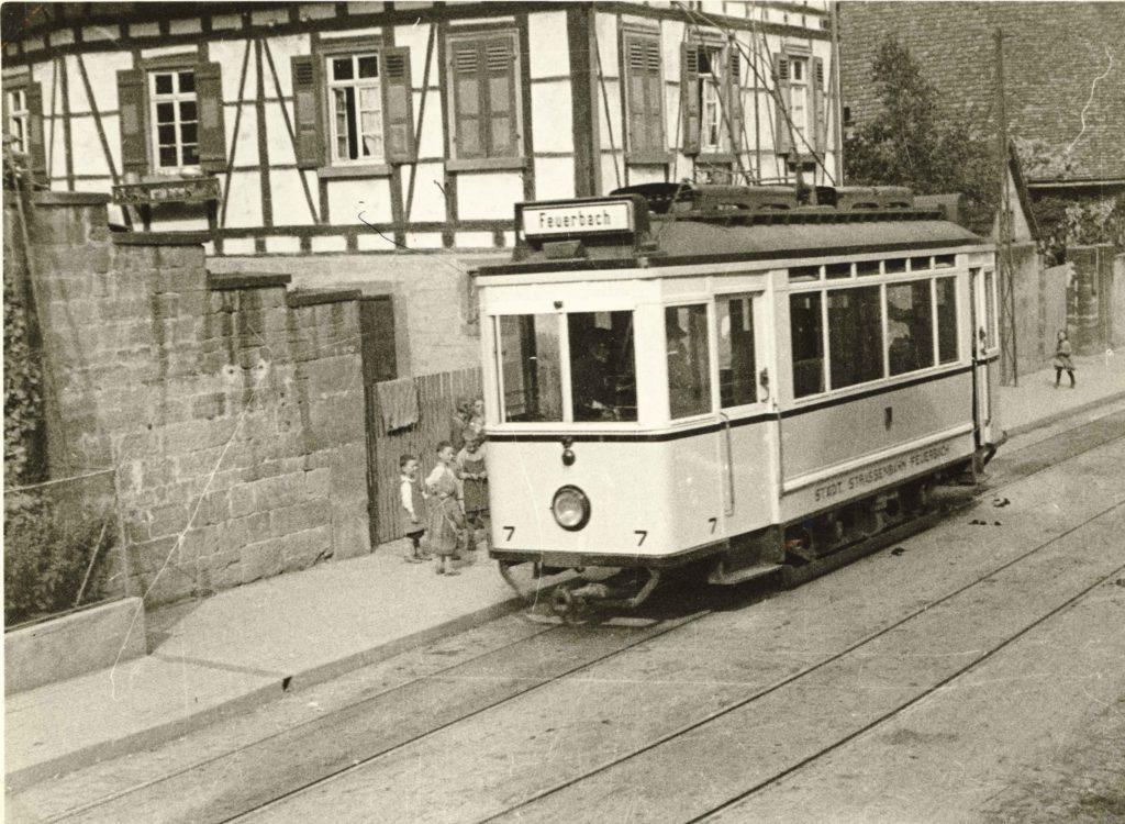 Kirchstraße um 1930 – Straßenbahn-Endhaltestelle
