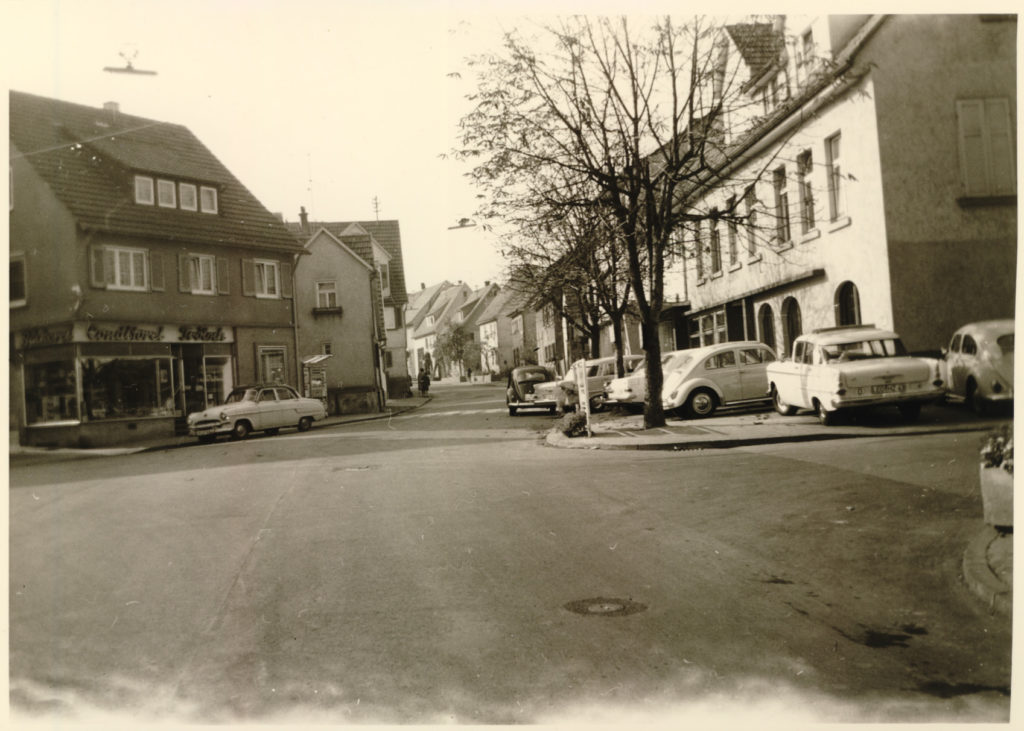 Leonbergerstr. 2 rechts Gasthaus Lamm um 1970