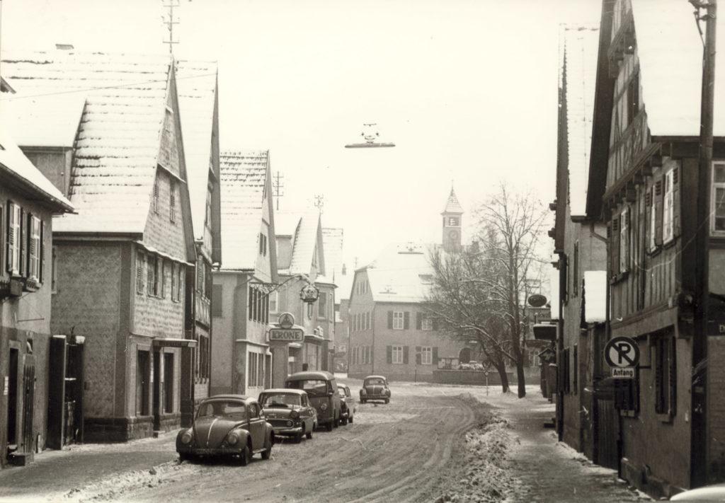 Untere Hauptstraße Blick zum alten Rathaus 1963